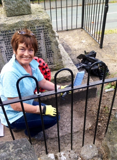 Keep Wales Tidy volunteer Mary Carson